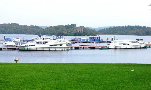 Irland mehrere Boote