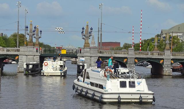 Mit dem Hausboot nach Amsterdam