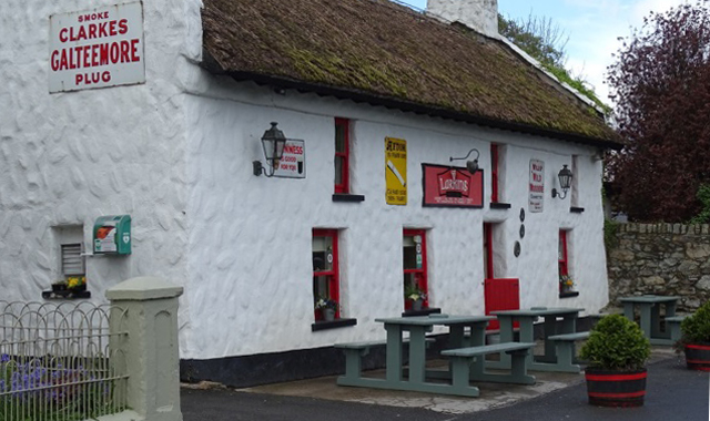 Le Boat Irland Portumna Garrykennedy Larkins Pub