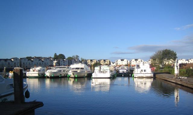 Le Boat Irland Portumna Hafen