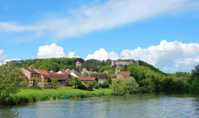 Leboat Bootfahren Franche Comte Ray sur Saone Schloss