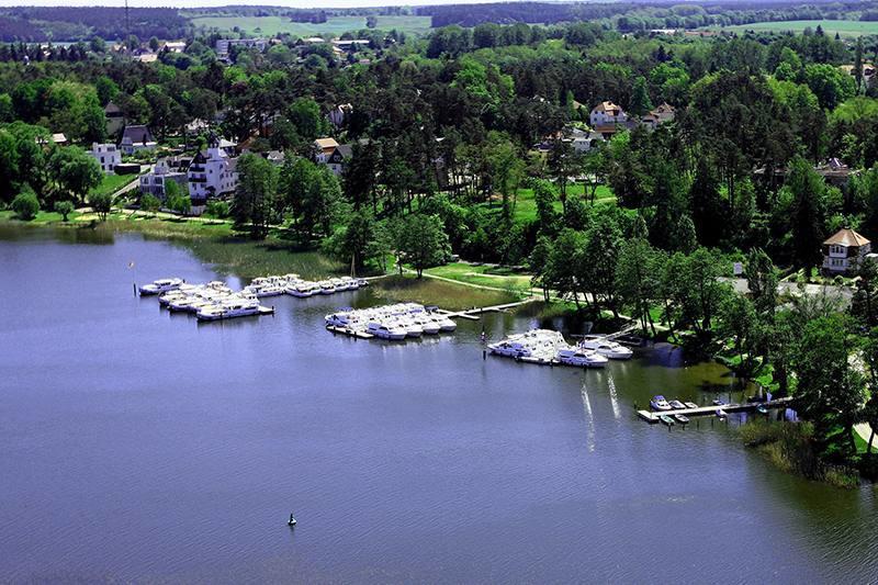 Ab Fürstenberg mit dem Boot durch Havelland