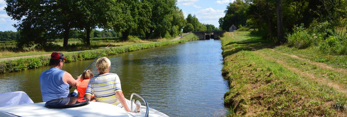 Familienzeit im Angelurlaub auf dem Boot
