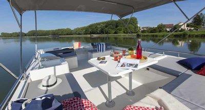 Sonnendeck des Hausbootes Horizon von Le Boat