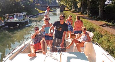 Junggesellenabschied auf dem Hausboot