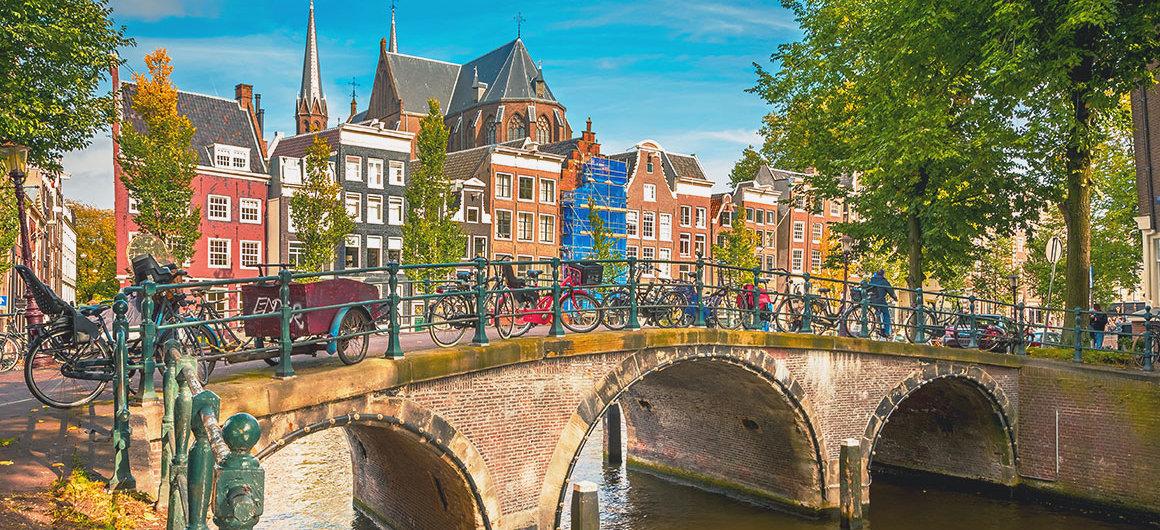Brücke mit Fahrrädern, Amsterdam