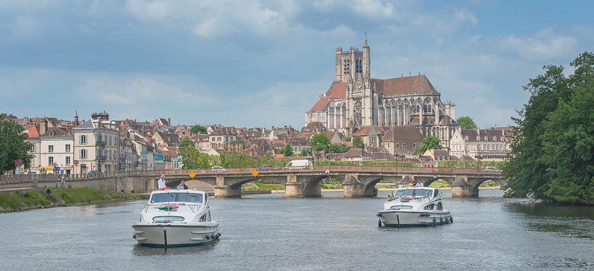 Caprice in Auxerre