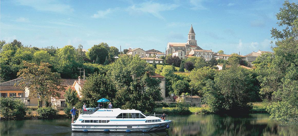 Le Boat Boot vor St Simeux