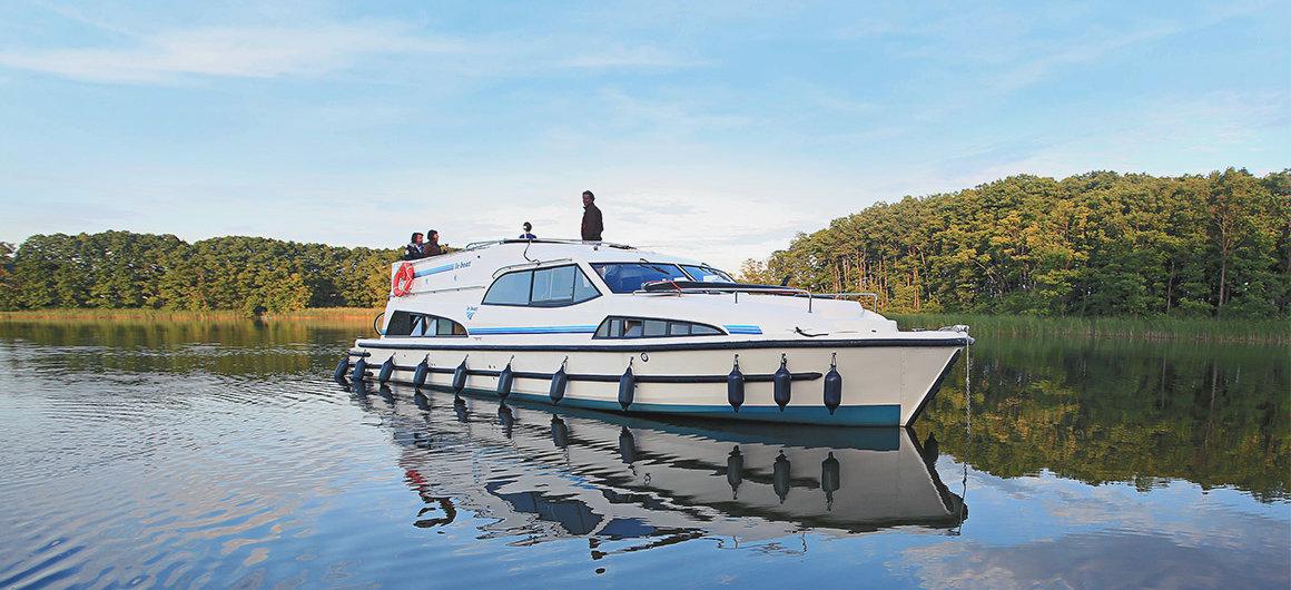 Hausboot Royal Mystique auf der Müritz, Deutschland