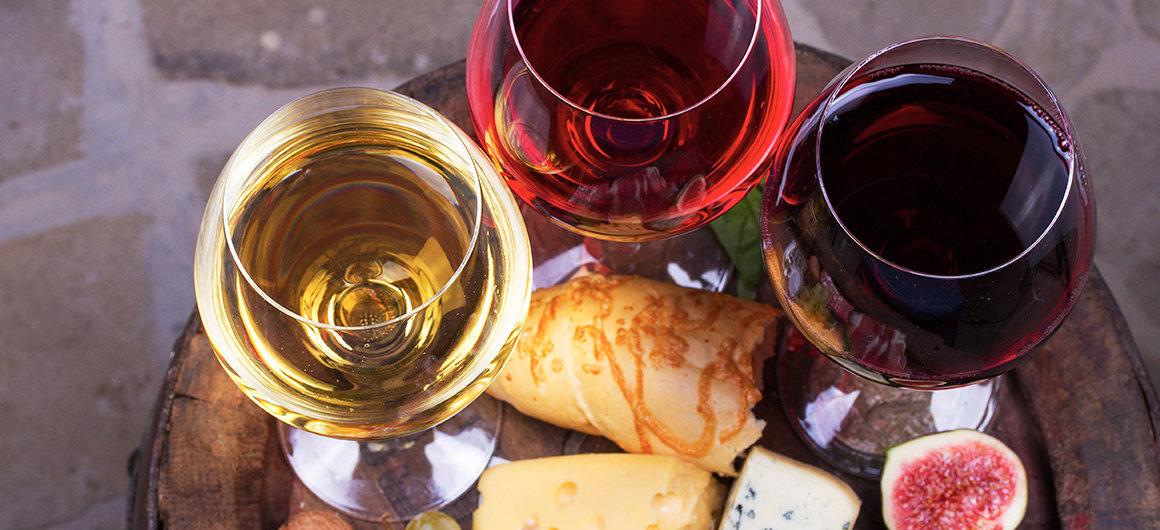 Rot-, Weiß- und Rosewein zum Essen