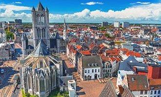 Blick über Gent und die Kirche Sankt Nikolaus